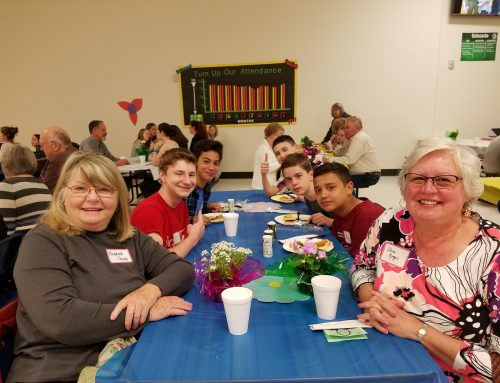 Silverton Middle School Students Share Time with Seniors