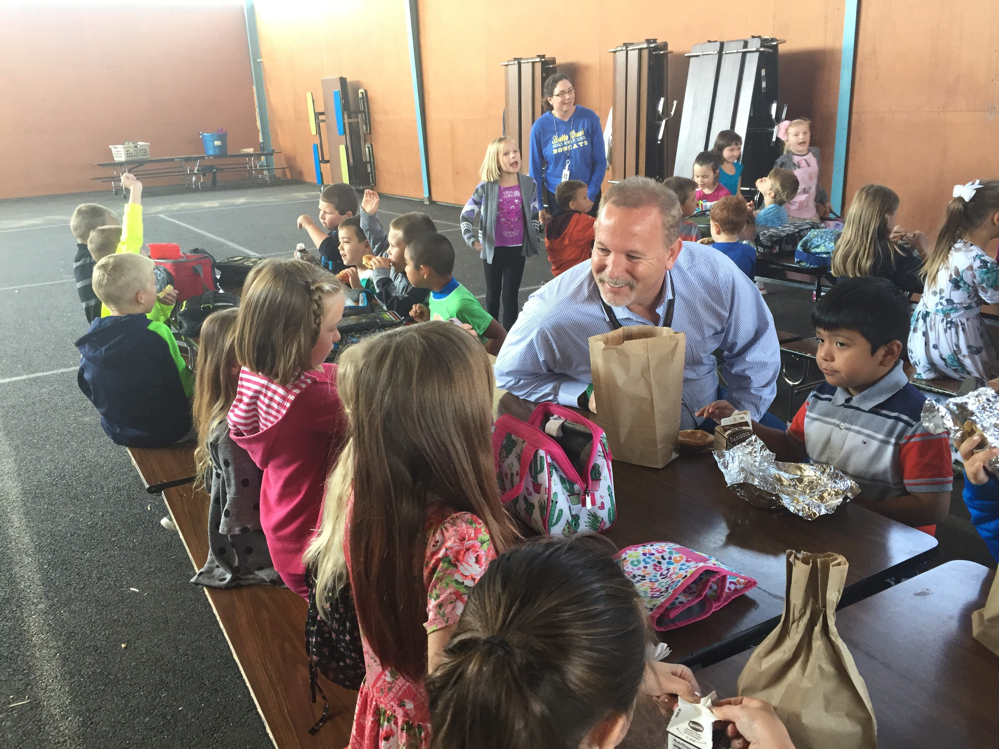 SFSD Superintendent Andy Bellando chats with students during lunch at Butte Creek Elementary School.