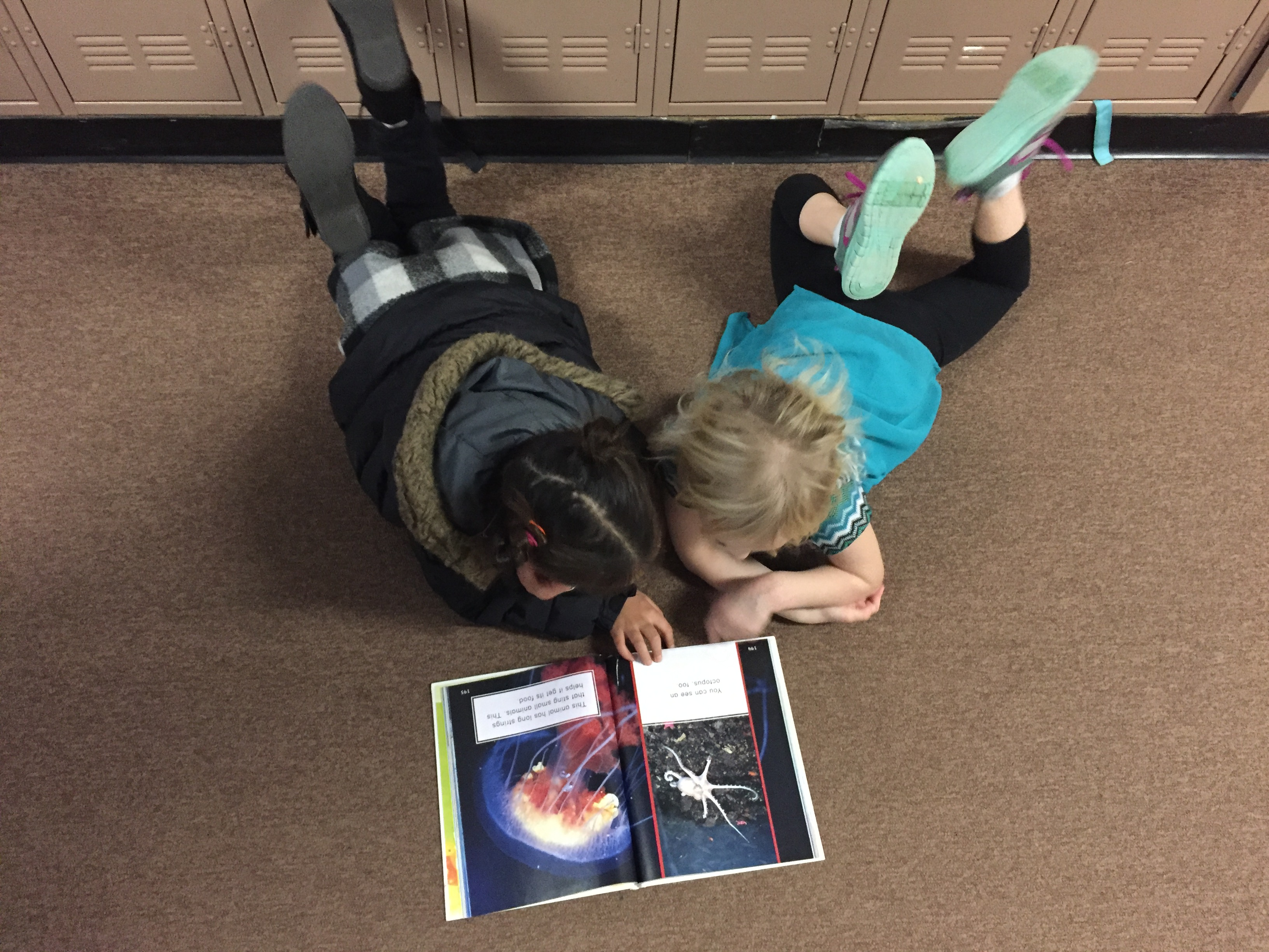 Mark Twain Elementary School Students Read Together
